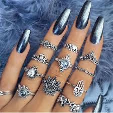 chrome nails is a latest technique adopted by all the leading