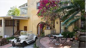 air bnb in cuba airbnb picks up the tab for travelers to cuba