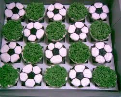 football cupcakes jujucupcakes football shopaholic and girlish theme cupcakes