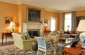 Photos Hgtv Warm Airy Living Space With High Ceilings Iranews - Cottage living room paint colors