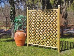 ringhiera in legno per giardino grigliati in legno su misura by f lli aquilani arredo giardino