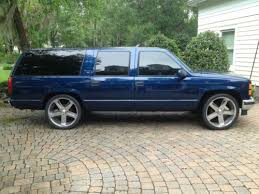 1996 gmc suburban lowered on 24