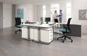 H Enverstellbarer Schreibtisch Schreibtisch Caldo Palmberg Büroeinrichtungen Service Gmbh