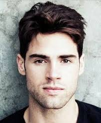 regueler hair cut for men his hair cut for men is very popular it is short on the sides and