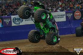 Bradshaw And Meents Stand Tall In St Louis Monster Jam Fs1