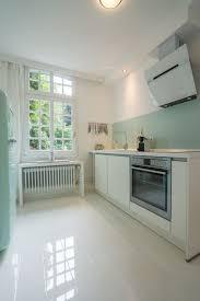 fliesenspiegel k che verkleiden weiße hochglanz küche welche fliesen kuche farben boden wohnzimmer