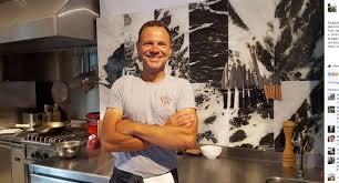 la cuisine de fred fred chesneau le cuisinier de canal a ouvert une table en grèce