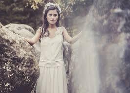 robes de mariã e rennes laure de sagazan robes de mariee intemporels robe chaplin