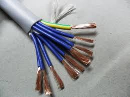 does plastic or rubber conduct electrical energy