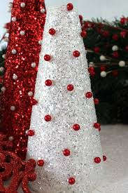 White Christmas Tree With Red Decorations by Diy Glitter Christmas Trees