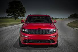 jeep hawk track 2017 jeep grand cherokee trackhawk to offer hellcat v8 engineers