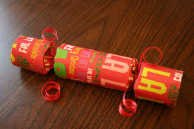 christmas crackers make your own traditional christmas crackers chica and jo