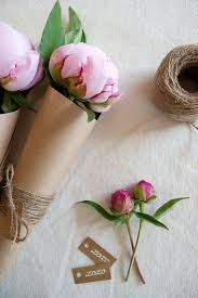 Flower Favors by Picture Of Diy Flower Favors With Twine And Tags