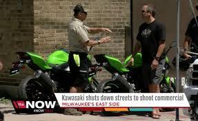 oops milwaukee news crew outs 2018 kawasaki ninja 400 u2013 move ten