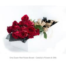 boxed roses dozen roses boxed