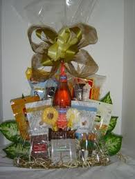 Gift Baskets Denver Fresh Fruit For Two This Gift Basket Has It All Apples Grapes
