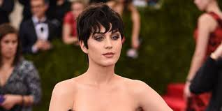how to mold and style short hair 2015 you gotta love the short cuts these 8 hollywood it girls are