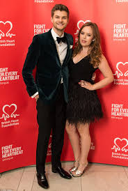 Youtube Com Let The Bodies Hit The Floor by Youtubers Jim Chapman And Tanya Burr Splashed Out 2m On London