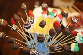 edibles arrangement you can do this how to make an edible arrangement one hundred