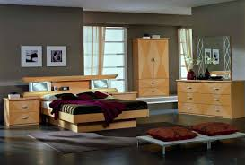Maple Bedroom Furniture Vera Glass Maple King Bed