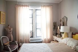 schlafzimmer verdunkeln die besten 25 gardinen schlafzimmer ideen auf grau