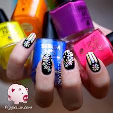 piggieluv glow in the dark rose window nail art