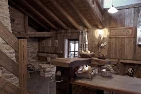 cuisine chalet montagne maison chalet à lanslebourg val cenis haute maurienne chalet de