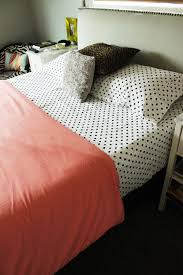 how to make a bed different ideas with everyday bedding