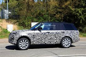 land rover range rover interior 2018 range rover facelift spied with updated interior autoevolution