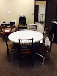 how many does a 48 inch round table seat how many chiavari chairs fit at a 48 round table national event