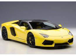 Lamborghini Aventador Lp700 4 Roadster - autoart 1 18 lamborghini aventador lp700 4 roadster yellow 74699