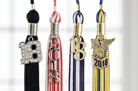 graduation tassles caps gowns