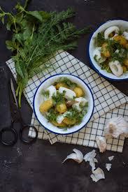 comment cuisiner les encornets salade de pommes de terre rôties et encornets vapeur besly