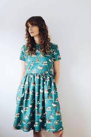 duck print cotton dress has a minimalistic design short sleeved