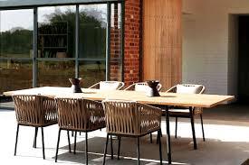 chaises tress es jardin salon de jardin tresse avec chaises tressées et grande table