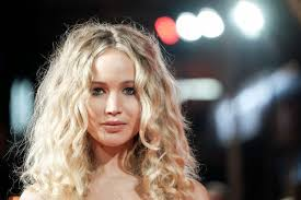 sparrow hair s new curly hair is a frizzy fail at the