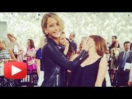 emma stone and jennifer lawrence friends jennifer lawrence slap emma watson in media paris fashion week youtube