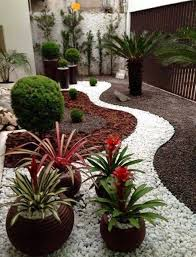 mulch and white rocks outdoor pinterest rock gardens and