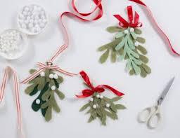 mistletoe headband classes creativebug