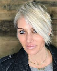 what enhances grey hair round the face 39 short hairstyles for round faces you can rock