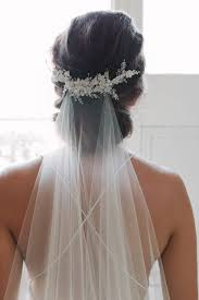 wedding hair veil flying high wedding veils above or below the bun
