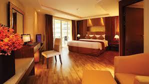 Bedroom Bed In Corner Deluxe Corner Rooms Nova Gold Hotel Pattaya
