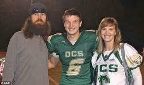 duck dynasty hair cut duck dynasty star reed robertson admits to suicidal thoughts in