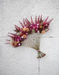 Floral Art Designs A Floral Fan Can Be An Interesting Alternative For Bridesmaids We