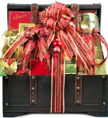 Meat And Cheese Gift Baskets Buy The Holiday Vip Deluxe Gourmet Food Gift Basket Size Large