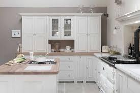 cuisines blanches et bois cuisine blanche bois 2017 et idee peinture cuisine blanche des