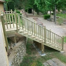 bloc marche escalier exterieur limon 7 marches escalier pin traité escalier pour l u0027extérieur