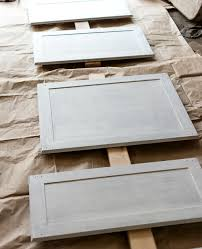 Kitchen Cabinet Builders How To Paint Builder Grade Cabinets