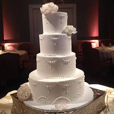 wedding cakes cost why do wedding cakes cost more than birthday cakes bustld