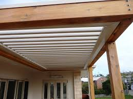 how about having pergola roof new home design